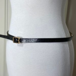 Ann Taylor thin 100% embossed cow leather belt M